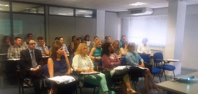 """Sesión informativa de Ibermutuamur: """"Riesgo durante el embarazo y durante la lactancia natural. Cuidado de menores afectados por enfermedades graves"""""""