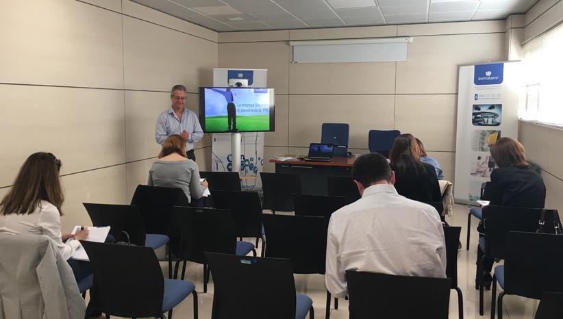 Sesión sobre la herramienta del PROF2, en Villaverde (Madrid)